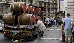 This is how they deliver wine in Rome. No messin'.